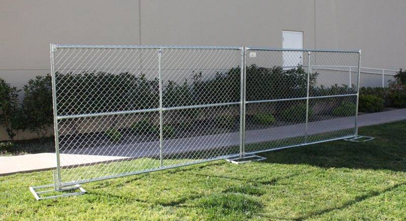 Galvanized chain link fence barrier will be made in several minutes.
